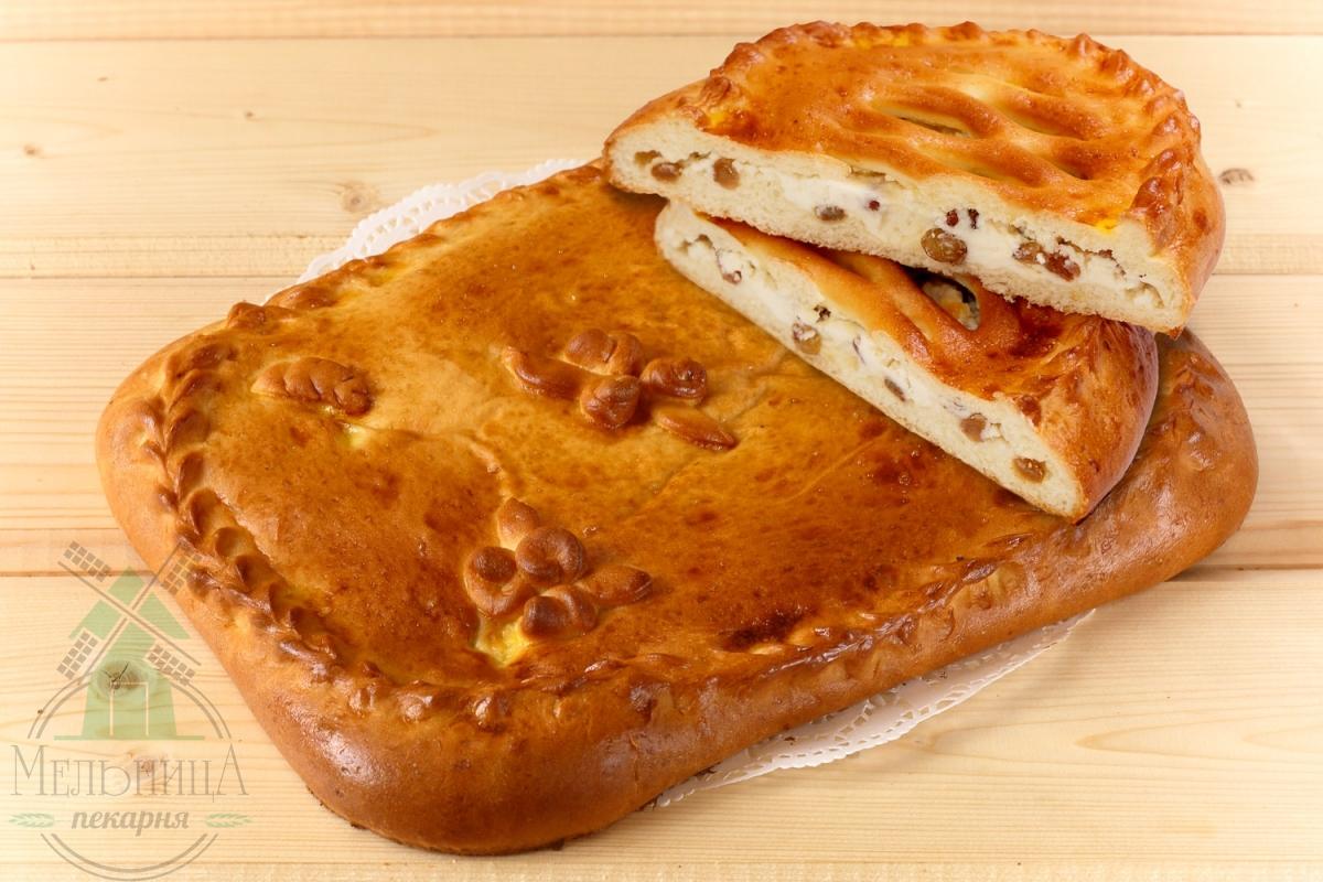 Пирог творог+изюм