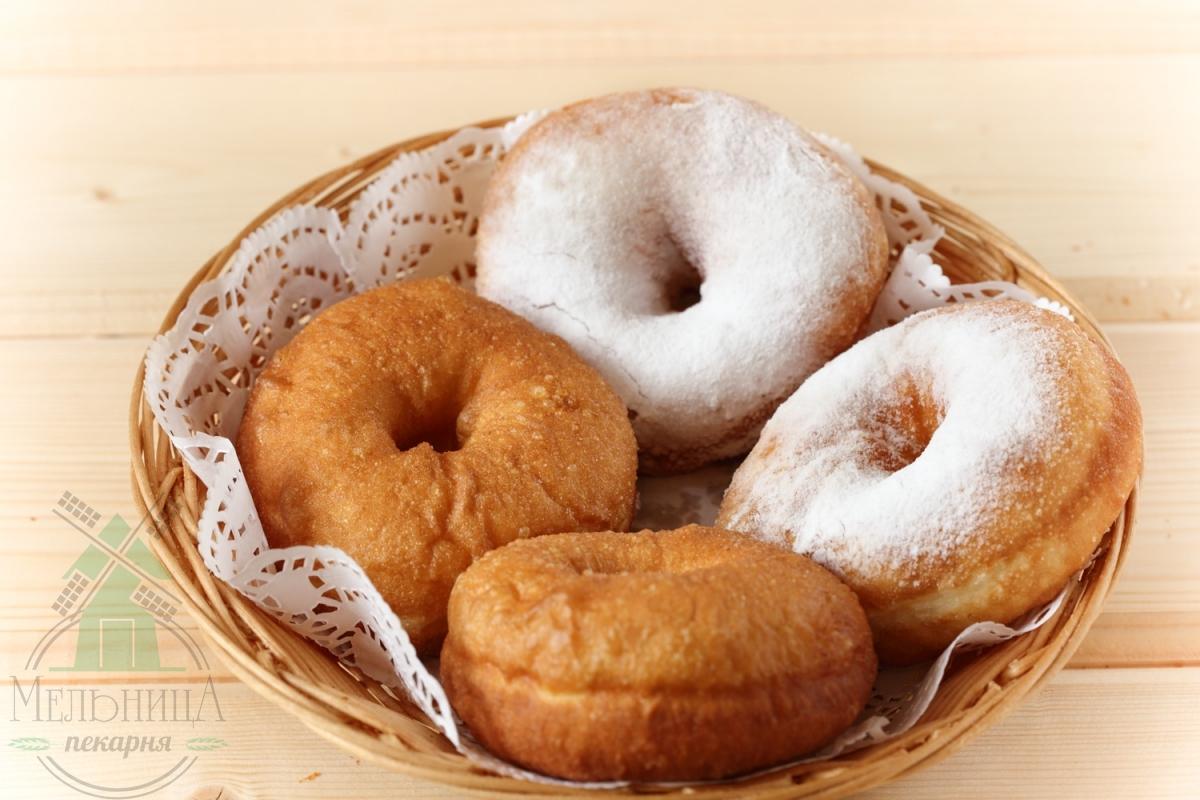 Пончик с бел. глазурью